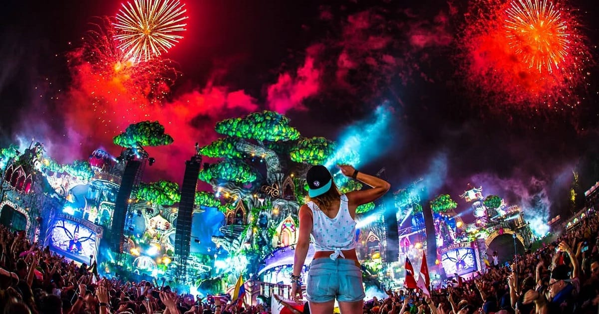 tomorrowland-2016_4_1200x630