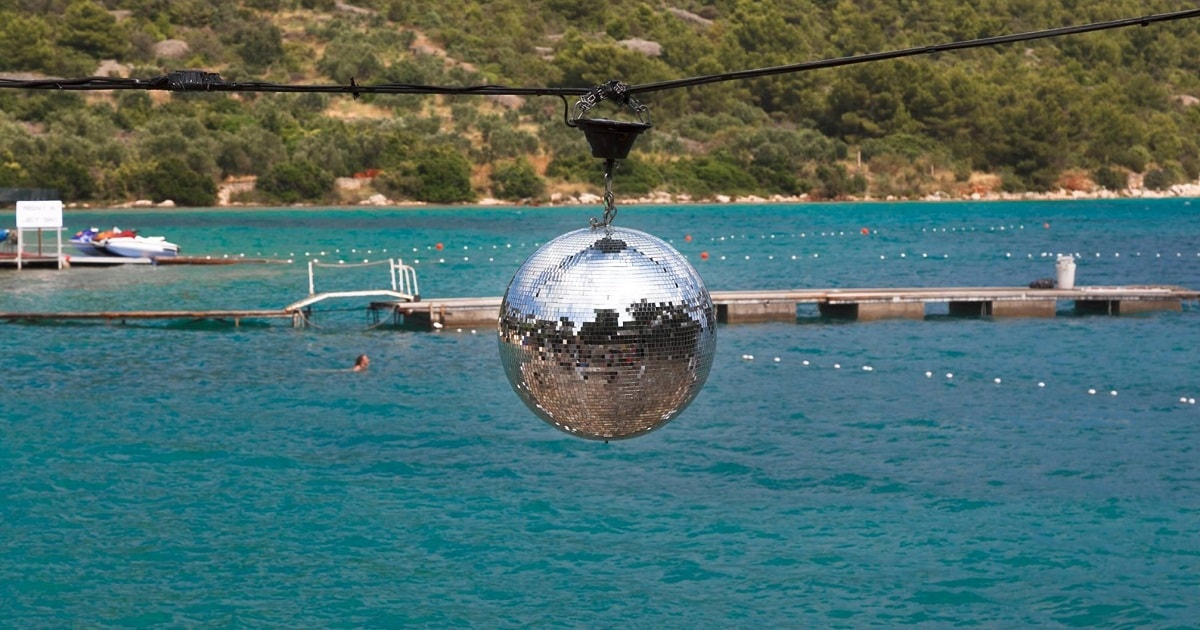 The-Garden-Croatia_Tisno_disco-ball_1200x630