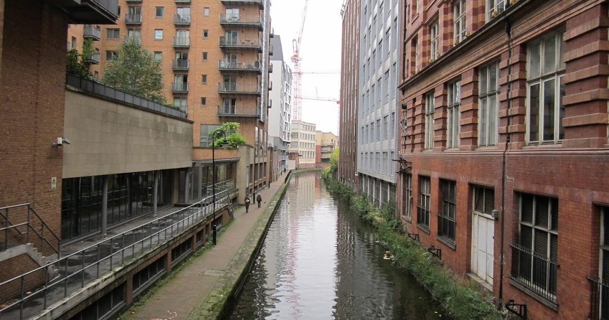 Rochdale-Canal_from_Oxford-Street-Manchester_1200x630