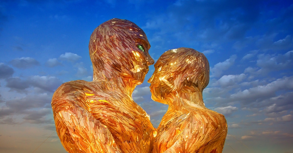 Burning-Man_The-Great-Heads_1200x630