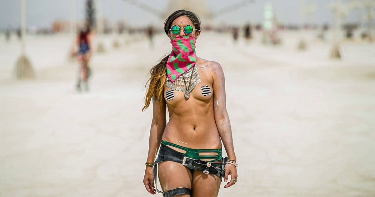 Burning-Man_girl_1