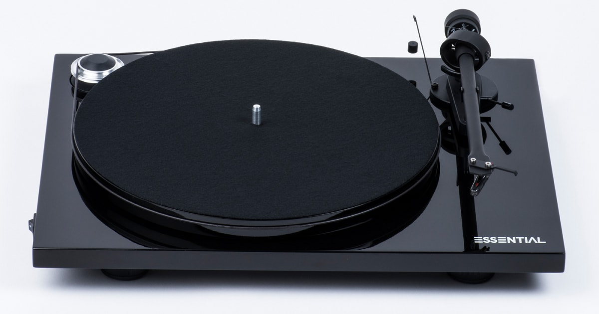 Pro-ject-Essential-III-Turntable-black_1200x630