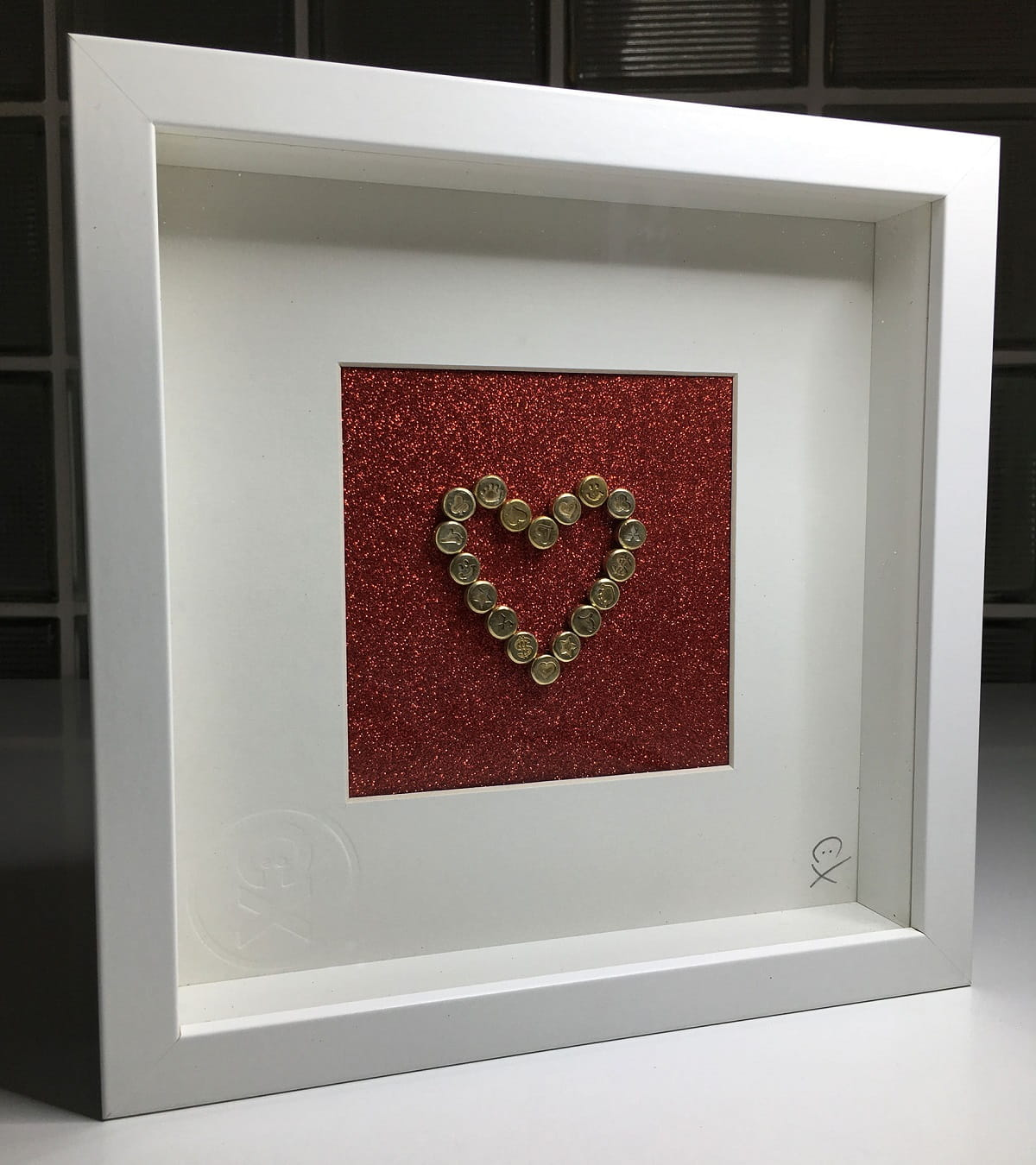 Chemical-X_Gold-Heart-frame
