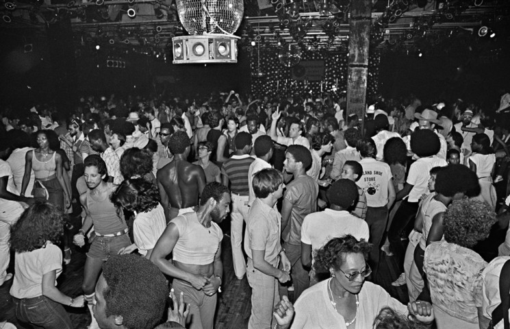 Disco-by-Bill-Bernstein_28_Paradise-Garage-Dance-Floor-1979