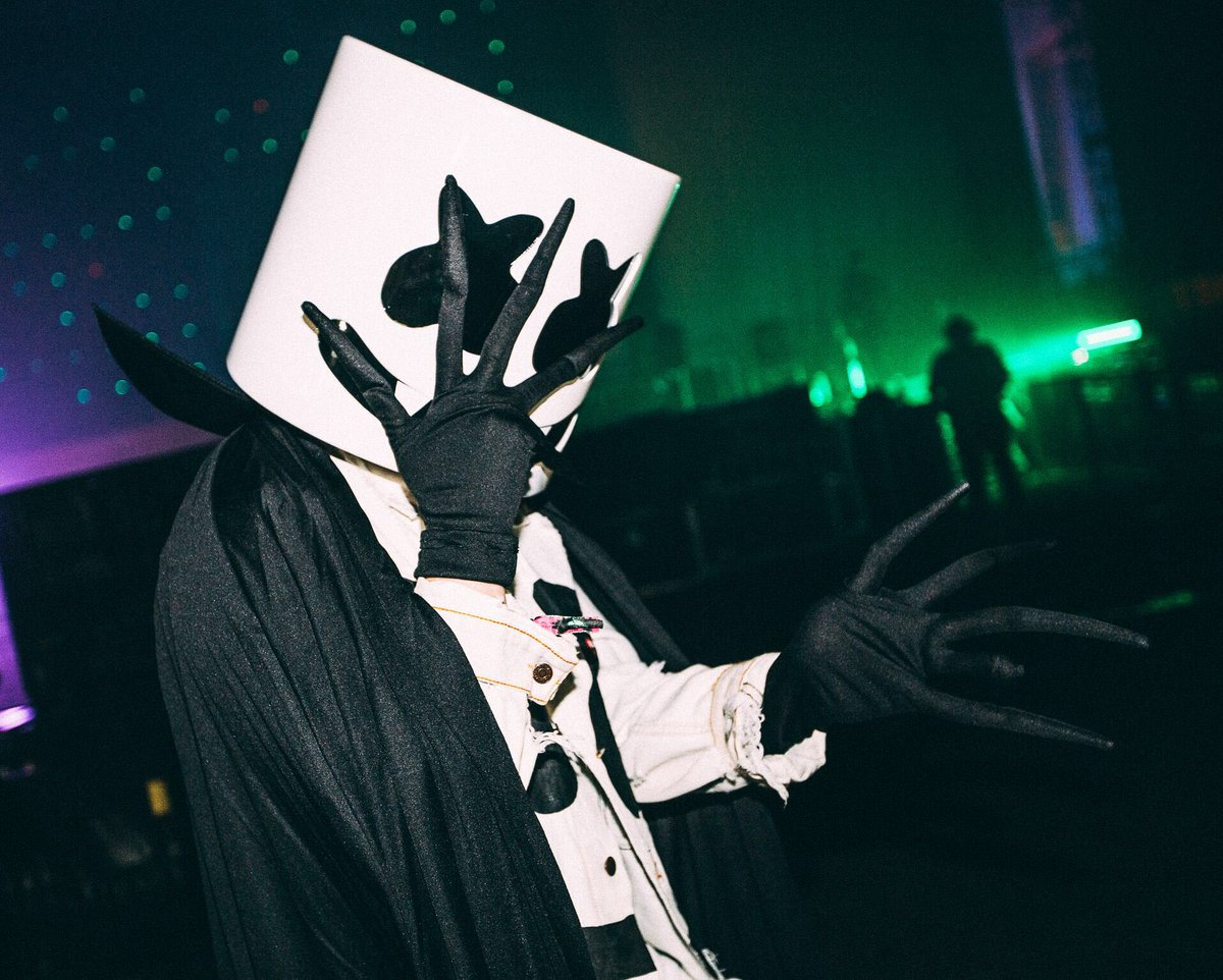 worse-dresssed-DJ-2017_Marshmello-melloween