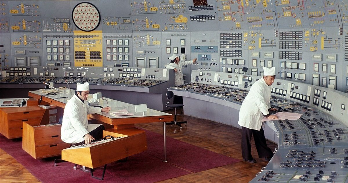 Soviet-powerplant-control-room_7_1200x630