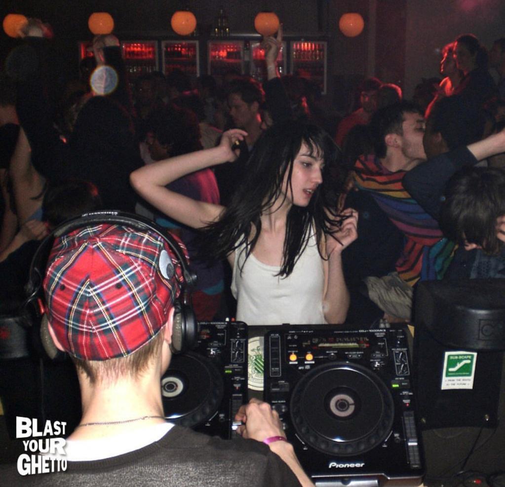 Amelie-Lens-Blast-Your-Ghetto-Fanklub-3
